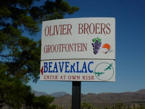 The first sign we saw for Beaverlac. There's no turning back now!