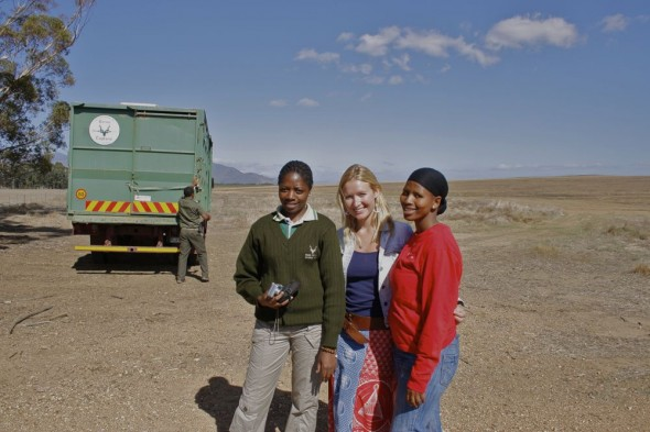 Lucie with our new friends, Nonaloso and Rooimba who are training to work for South African National Parks.