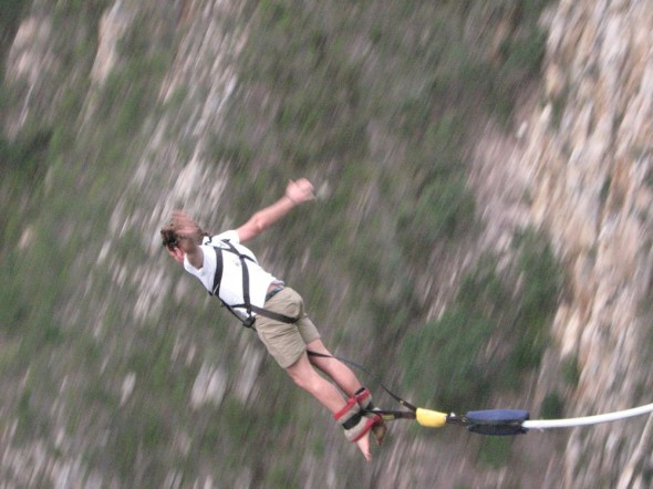 Lachlan does highest bungy in World at Bloukrans.