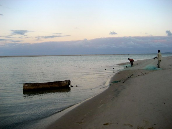 Hauling in their jumping nets. Pomene, Mozambique.