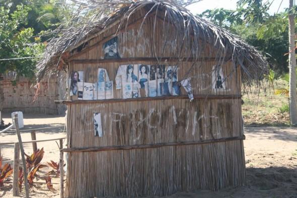 Pin-ups. Pomene, Mozambique.