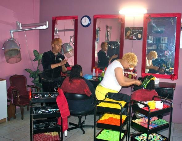 Mel G's Hair Studio, Lüderitz, Namibia.