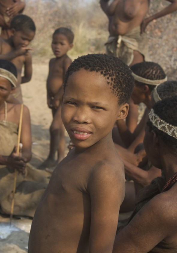 Young bushman girl. Ju/'hanse San people, or as they are more commonly known, the Bushmen, near Tsumkwe, eastern Namibia.