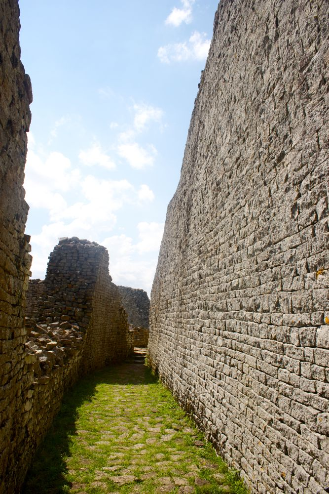 great zimbabwe photo diary the vagabond adventures of lucie lachlan bow wow. Black Bedroom Furniture Sets. Home Design Ideas