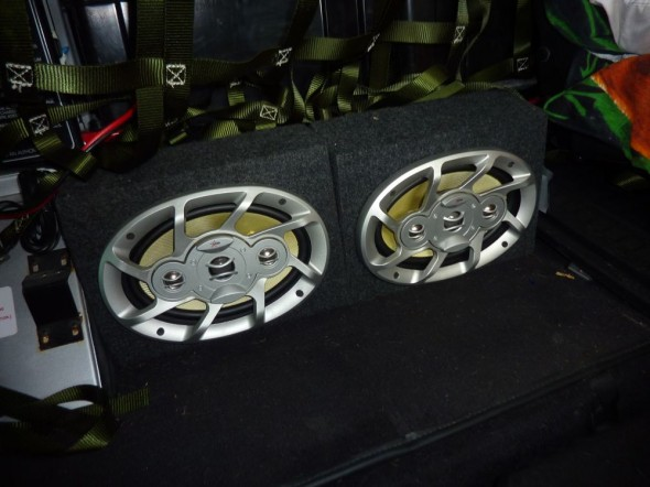 Additional Speakers with amp in Land Rover Defender 110 with Overland Kit