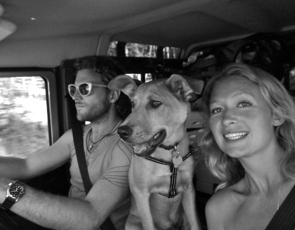 Lucie, Lachlan & Bow Wow in Land Rover Defender